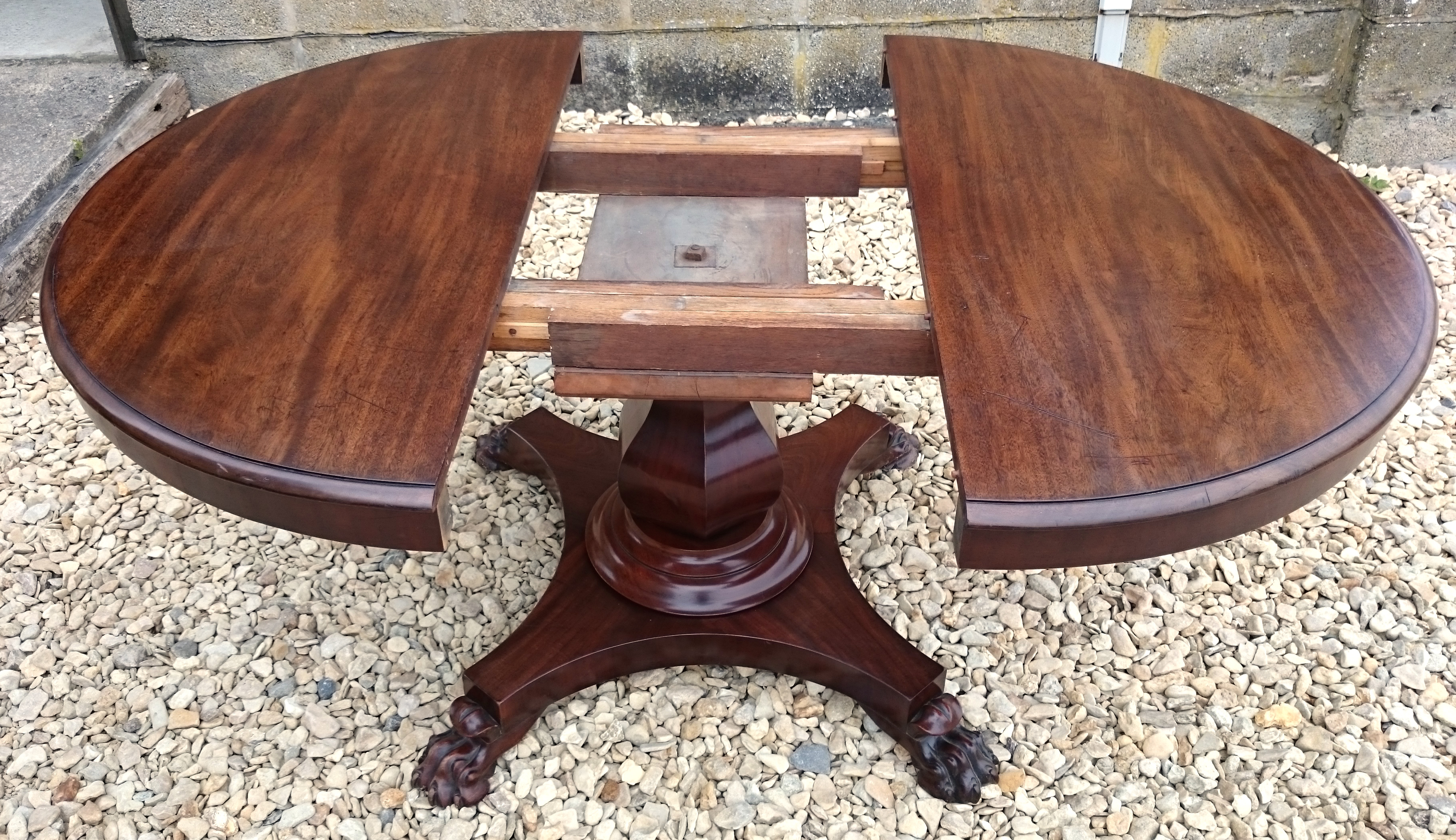 Antique Bed: Antique Breakfast Tables