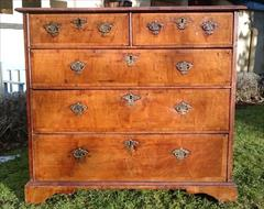 06012018Antique 18th Century Walnut Chest of Drawers 23d maxfeet 34½ high 37¾w max _15.JPG
