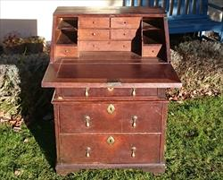 071220171700 Antique Oak Small Bureau 25w 36h 17½d 28h to surface _11.JPG