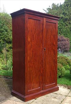 Mahogany antique wardrobe2.jpg