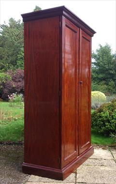 Mahogany antique wardrobe4.jpg