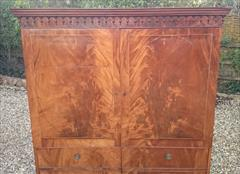 Flame mahogany antique wardrobe4.jpg