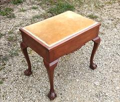 Cabriole leg antique piano stool2.jpg