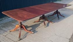 1810 Three Pedestal Antique Dining Table 48w 28½h 25¼ each end 20¾ and 21½ leaves 26¼ centre _1.JPG