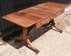 1810 Sofa Table 26¼ 66½cmD 28H 63½ 161W max 45 114cmW min _5.JPG