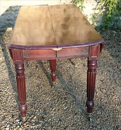 antique dining table6.jpg