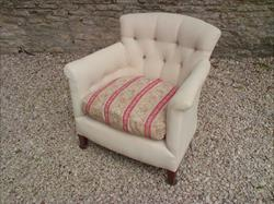 Howard and Sons antique armchair - Woodstock model.jpg