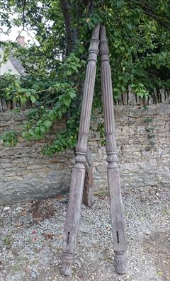 AntiqueBedPosts102high.JPG
